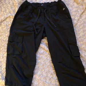Alo yoga cool fit crop black athletic pants